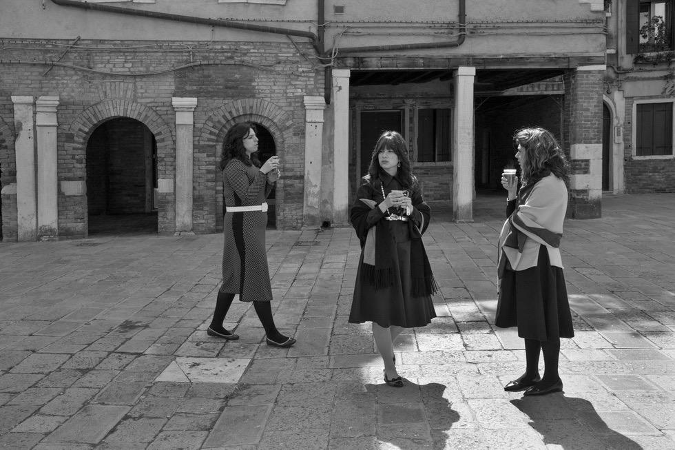 Signore vestite a festa per Shabbat / © Ferdinando Scianna / Magnum Photos
